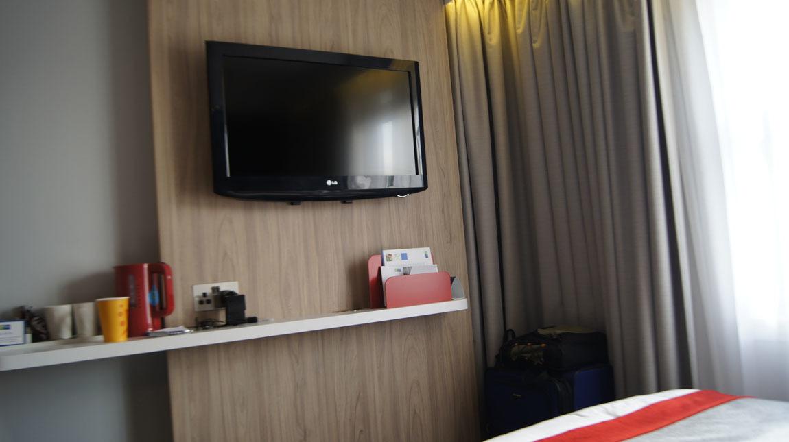 20170905-hotelroom6b.jpg